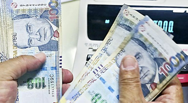 Central bank lowers reserve requirement to boost lending