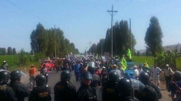Protesters clash with police over mine in southern Peru