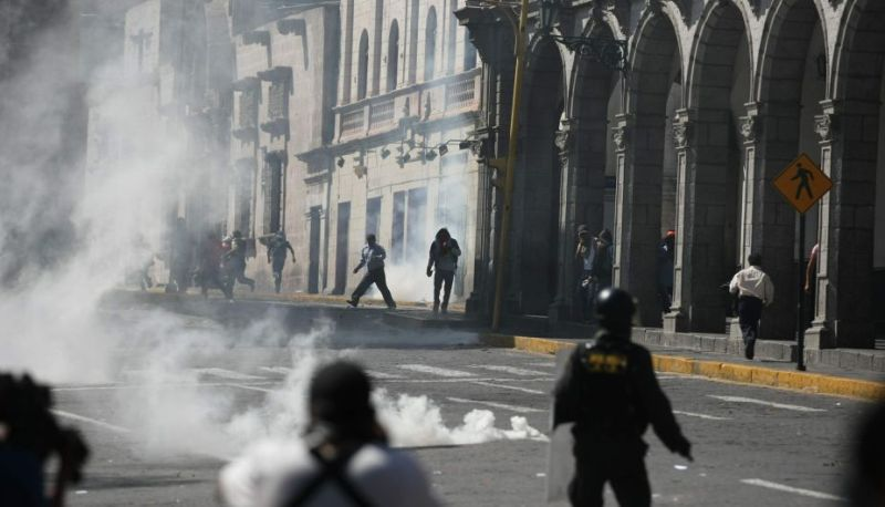 Tia Maria violence in Arequipa's Plaza de Armas