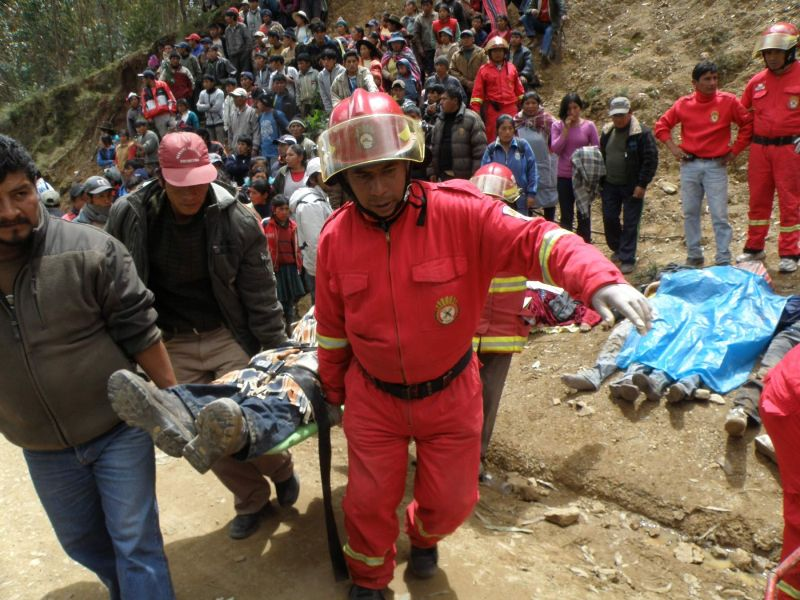 At least 17 dead in Huanuco dump truck accident