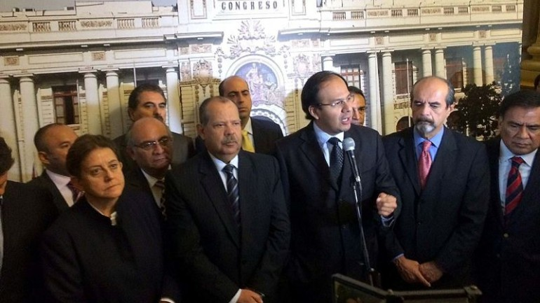 Partisan row breaks congressional quorum ahead of decree vote