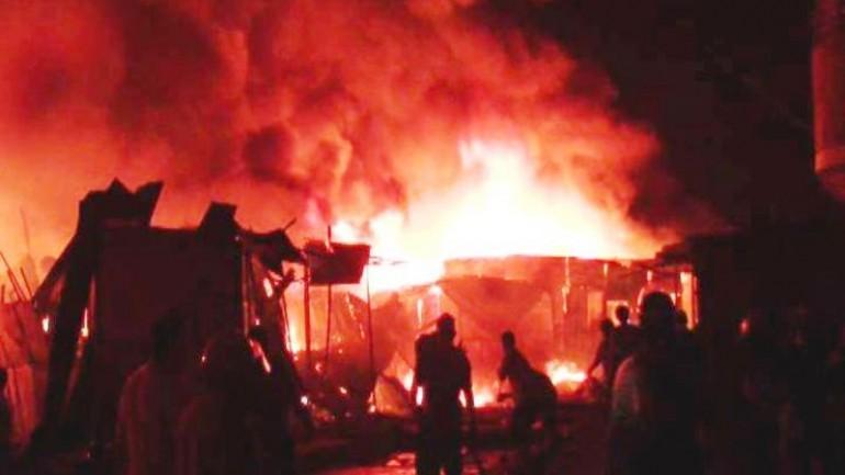 Breña: massive fire destroys market near Hospital del Niño