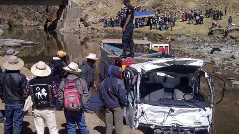 Truck falls into lake, killing 11 in southern Peru