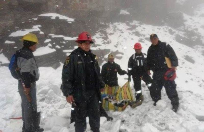 Avalanche buries six miners in southern Peru