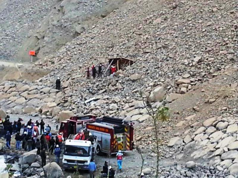 15 dead in northern Peru car accident