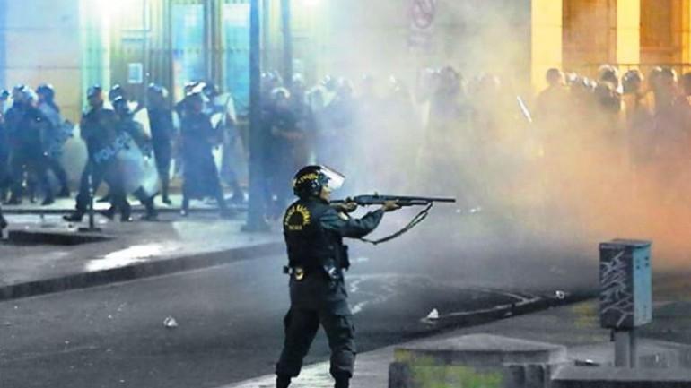 Peru police allowed lethal force in violent protests