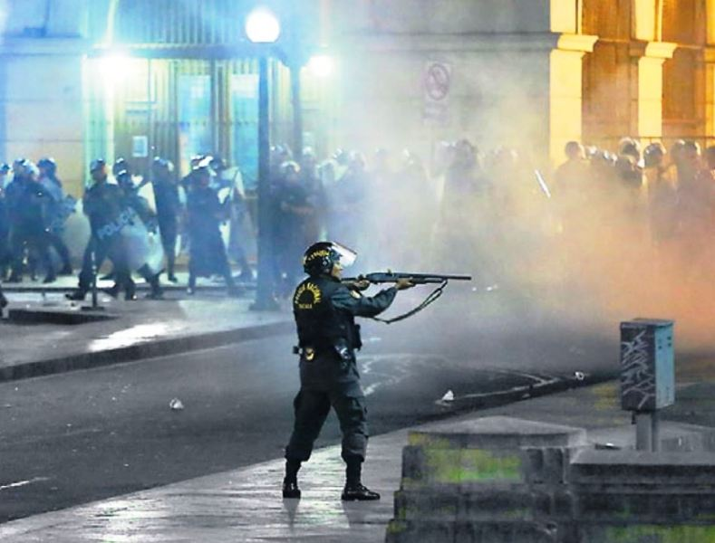 Peru police allowed lethal force in violent protests