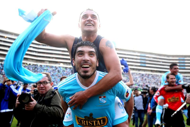 Sporting Cristal ties Universitario to win Opening Tournament