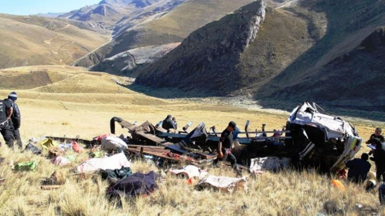 10 killed in southern Peru bus accident