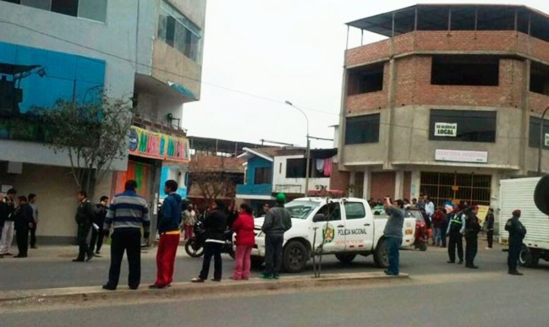 Grenade detonates, kills policeman outside Lima school