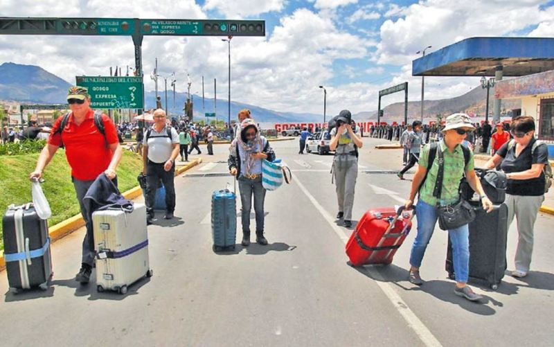 Protest in southern Peru paralyzes Machu Picchu tourism