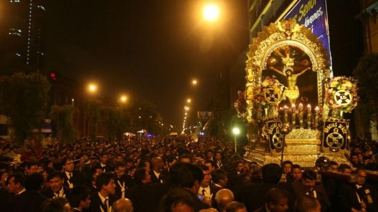 Señor de los Milagros processions begin in Lima