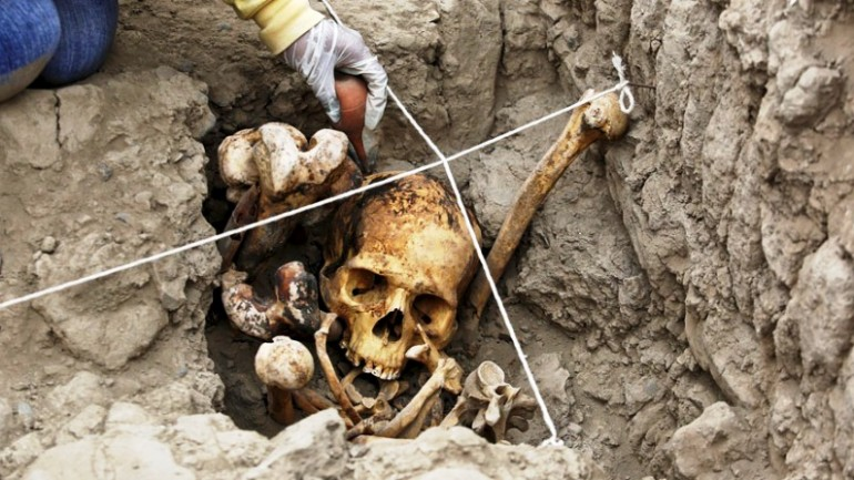 Peru: centuries-old tombs found at Lima archaeological site