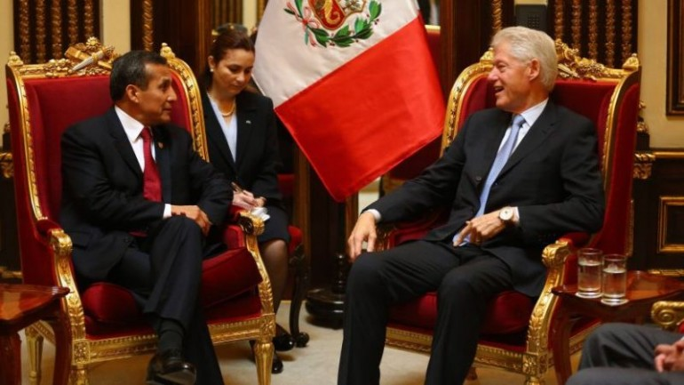 Bill Clinton meets with Peru's president and Lima mayor