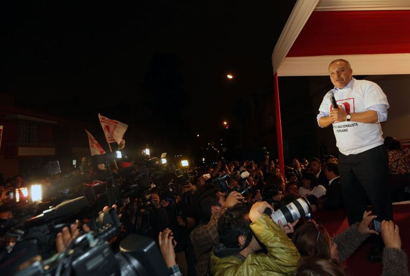 Peru's ruling party candidate to quit campaign