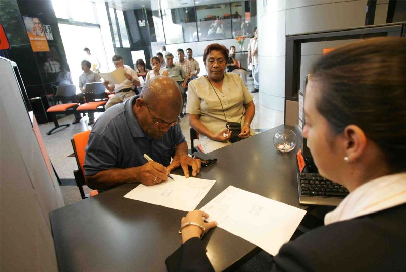 Peru to allow retirees to dissolve private pension accounts