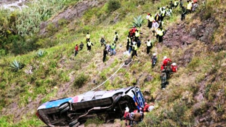Ten killed in northern Peru bus crash