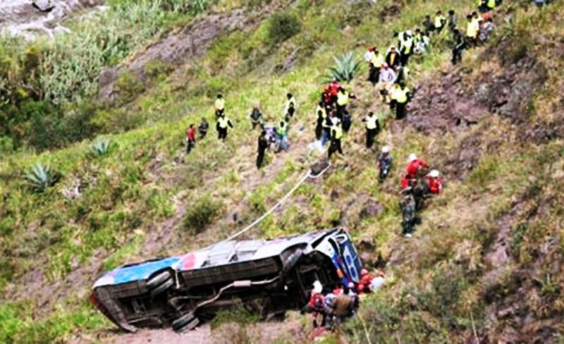 Ten killed in northern Peru bus crash