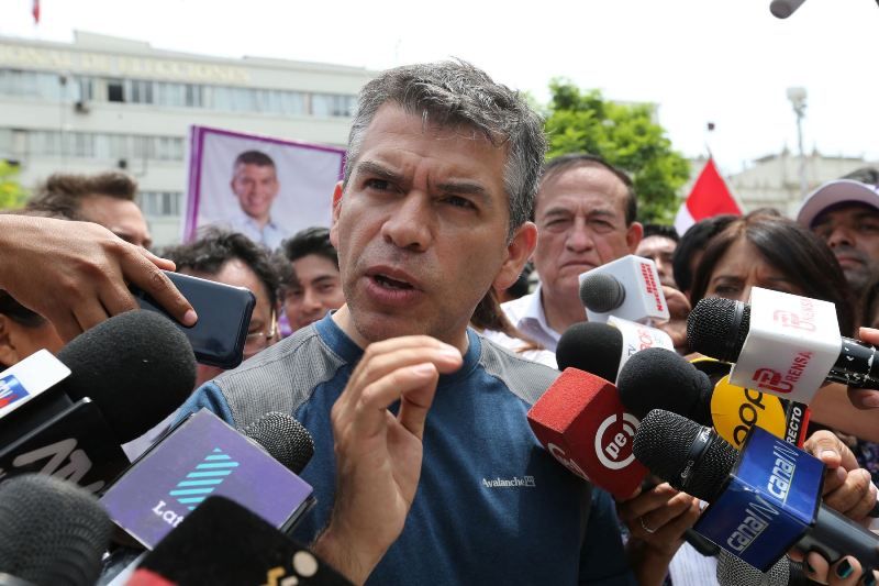 Peru court rules against Julio Guzman, but leaves opening