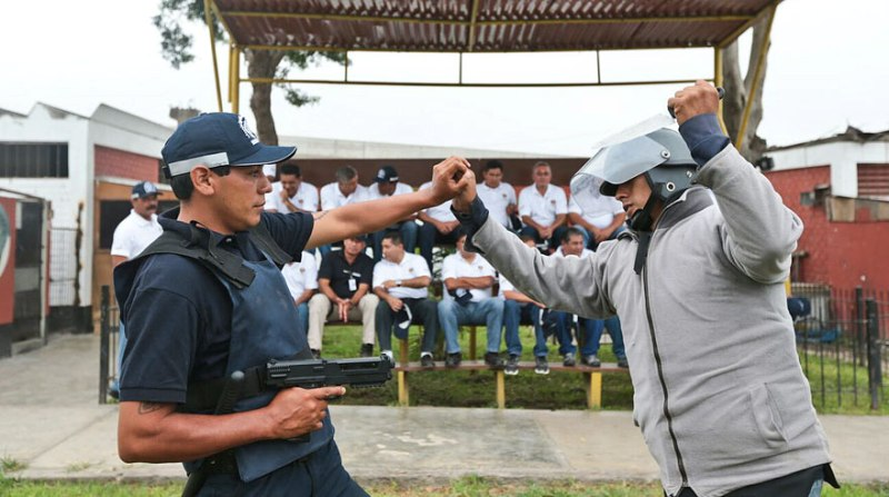 Lima watchmen to carry non-lethal weapons