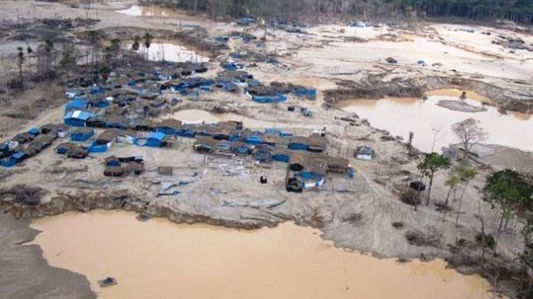 Mercury from illegal mining prompts health emergency in Peru