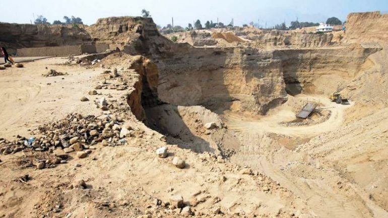 Illegal mining renders vast areas uninhabitable in Lima outskirts