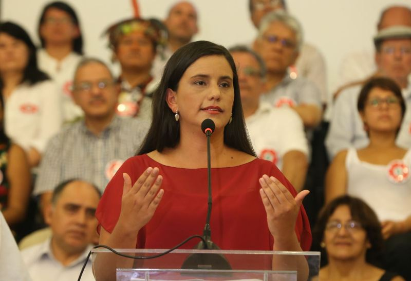Peru leftist Veronika Mendoza endorses Kuczynski