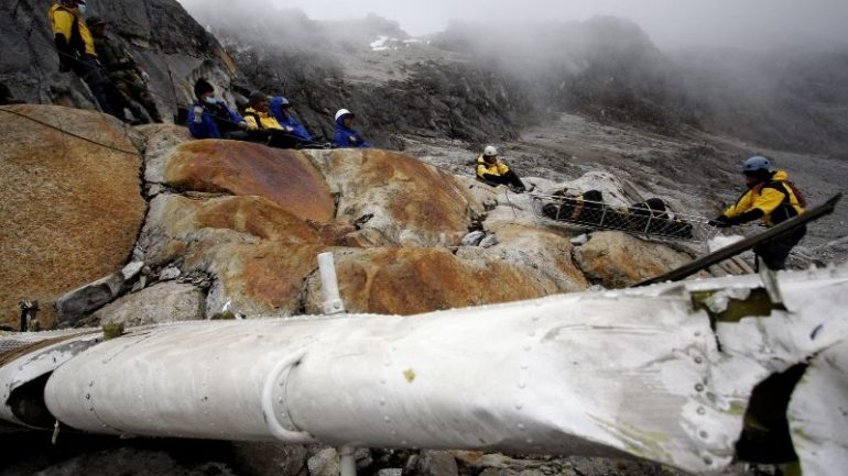 Four mountain climbers killed in Peru avalanche