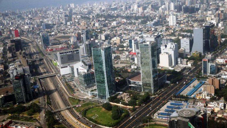 Oil troubles drag Peru's economic growth below expectations