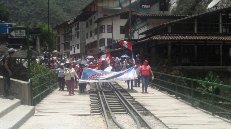 Peru: protest shuts down Machu Picchu tourism for two days