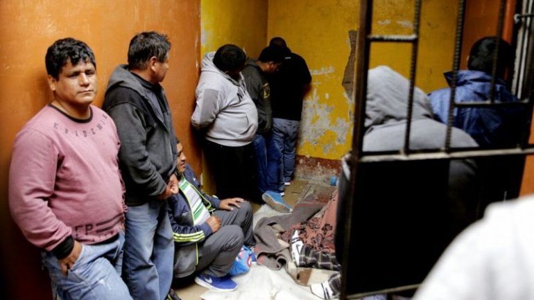 Peru: judge frees 29 gang members outside Lima