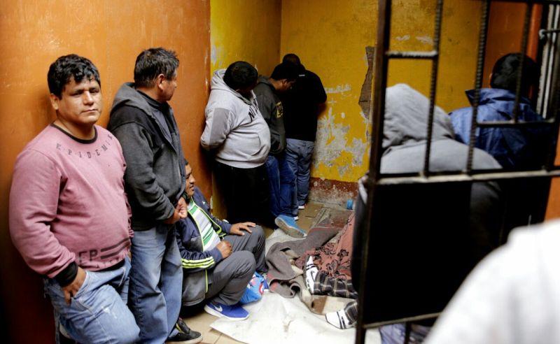Peru: judge frees 29 gang members outside Lima