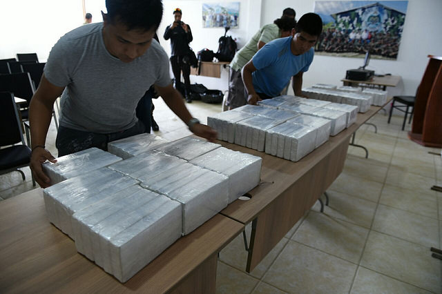 Armed police clash with drug traffickers in 205-kilo VRAEM cocaine