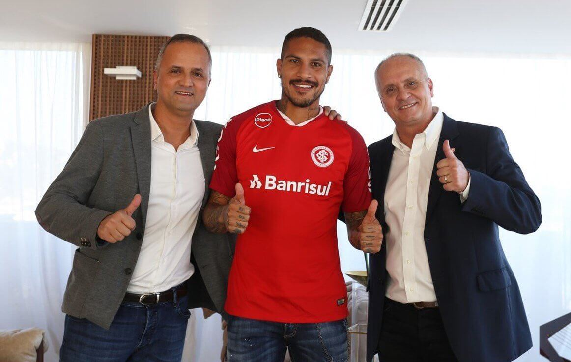 Paolo Guerrero signs with Brazil's Internacional
