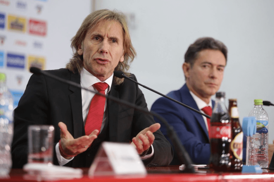 Ricardo Gareca renews contract to remain head of Peruvian national team