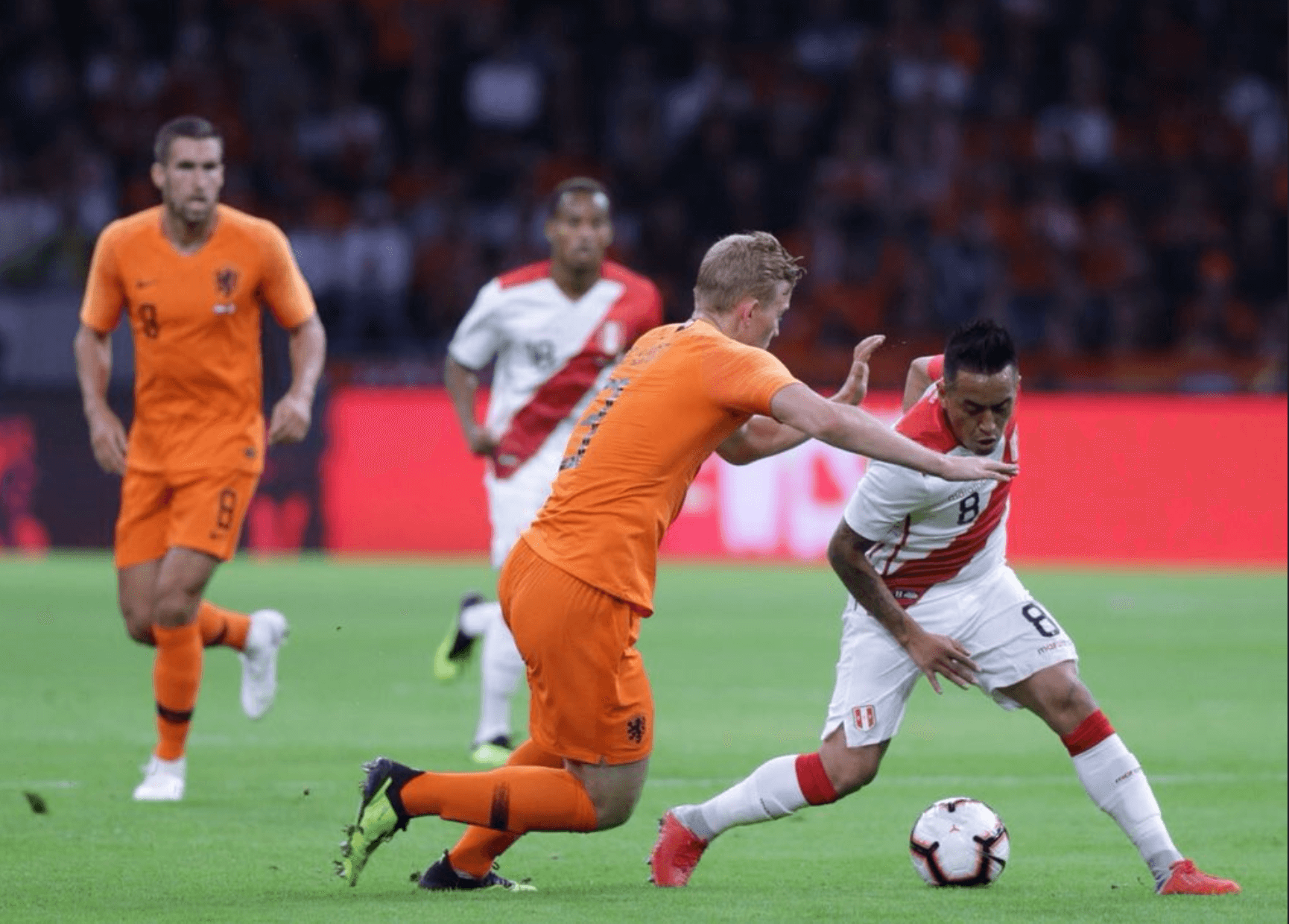 Peru slips up to Holland 2-1 in international friendly