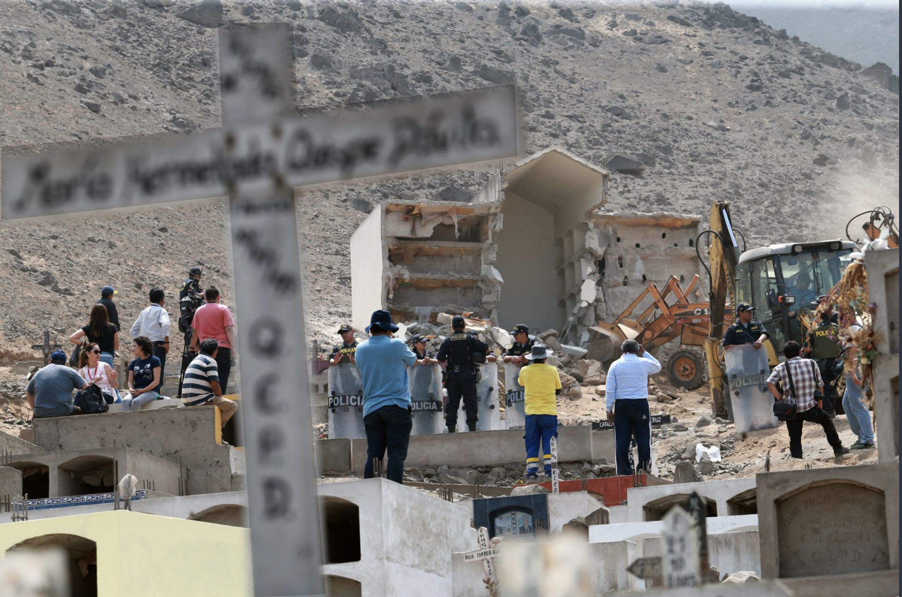 Peruvian police demolish mausoleum for buried Shining Path members